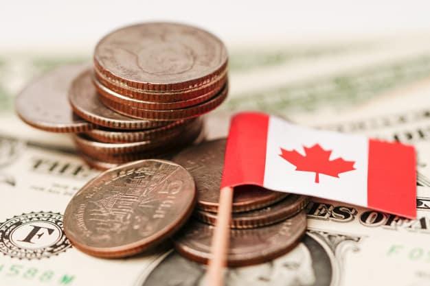 دلار کانادا یا CAD ارز رسمی کانادا است.