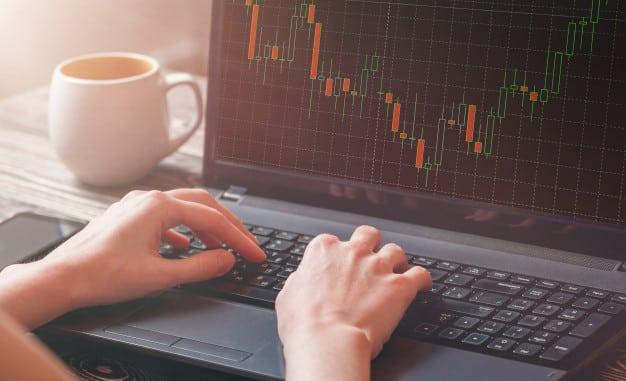 معامله گر رزوانه و انتخاب نرم افزار تحلیل بازار سرمایه